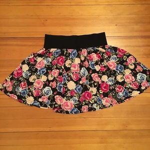 H&M Floral Elastic Band Mini Skirt